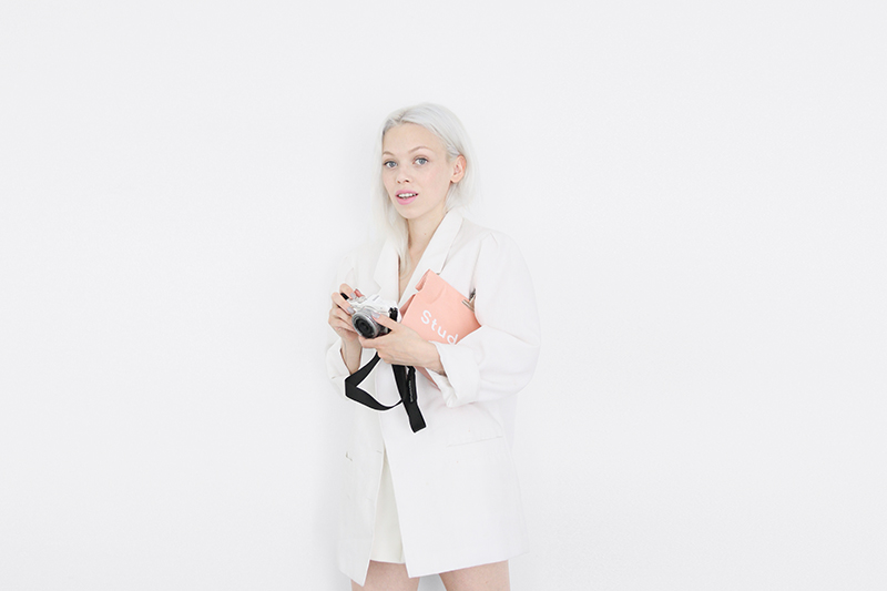 love aesthetics oversized blazers and paper bags  3